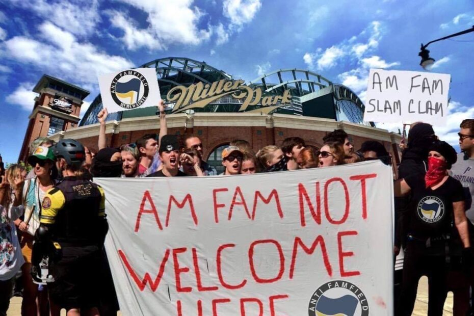 Antifam Protest